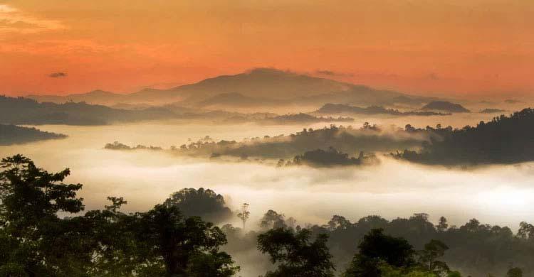 মালয়েশিয়ার সেরা ১০ দর্শনীয় স্থান