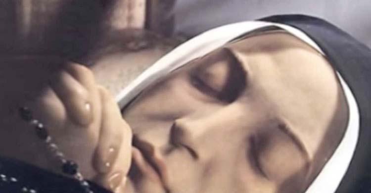 মৃত্যুর কয়েকশ বছর পরেও অবিকৃত মৃতদেহ