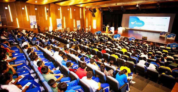 ১১০০ শিক্ষার্থীকে নিরাপদে ইন্টারনেট ব্যবহার প্রশিক্ষণ